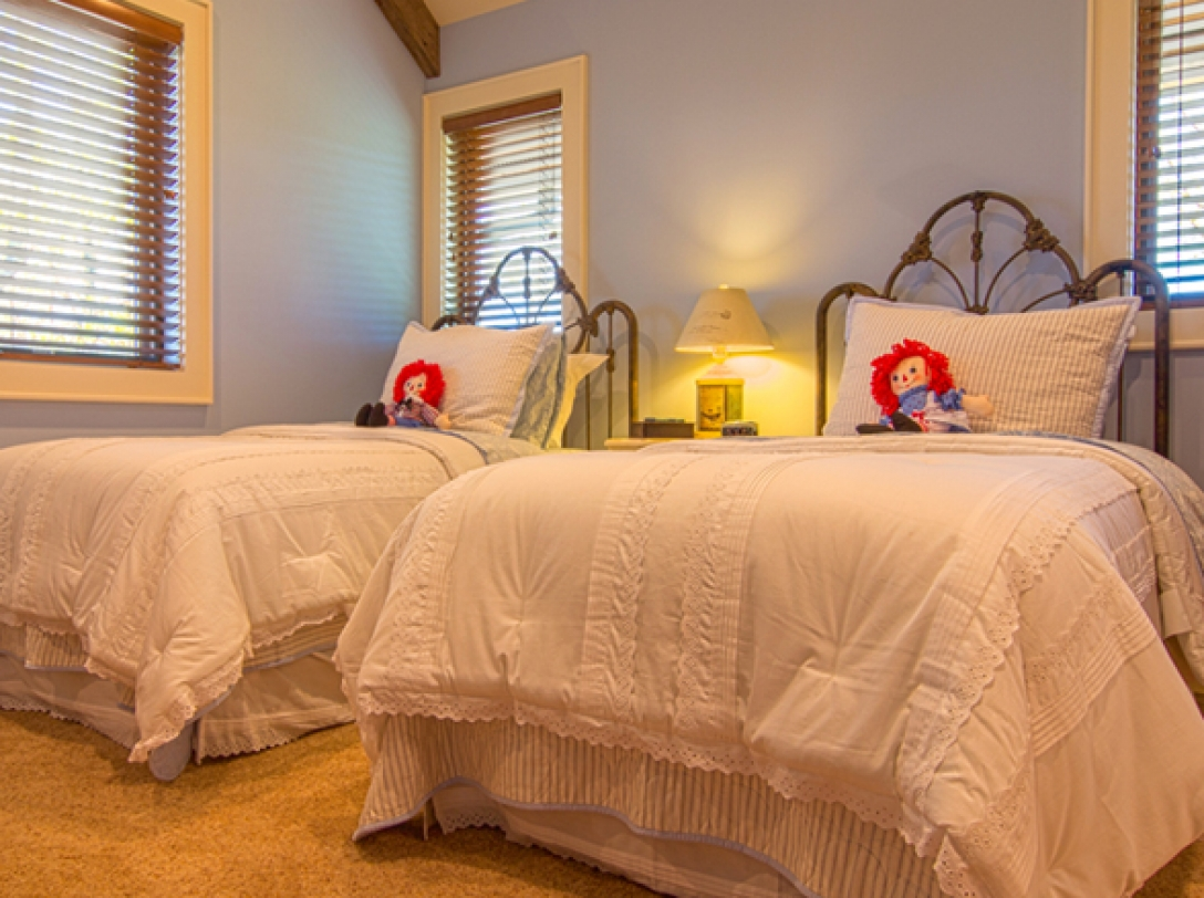 Twin Bedroom of Buttercup Haven - Franklin Vacation Rental NC