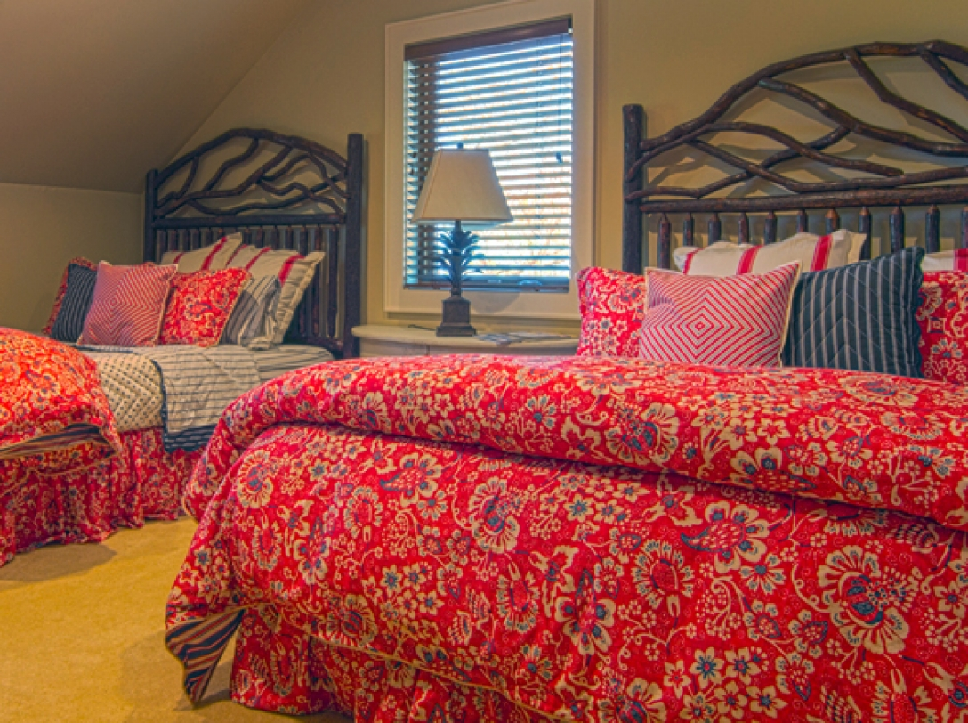 Double Queen Bedroom of Buttercup Haven - Franklin Vacation Rental NC