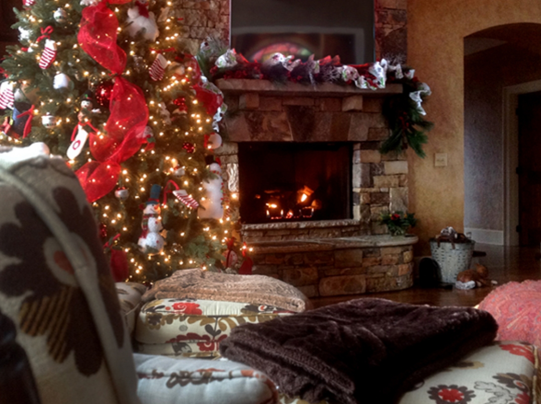 Buttercup Haven decorated for the holidays- Franklin Vacation Rental NC