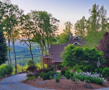 Buttercup Haven vacation rental - front yard view in Spring